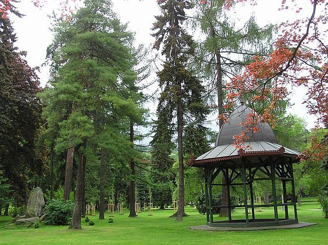 Veřejná zeleň ve městě Český Krumlov - Část městského parku s hudebním pavilonem